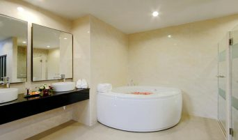 kata-sea-breeze-resort-bathroom-room