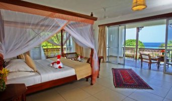reef-and-beach-room